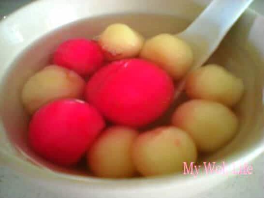 Glutinous rice balls dessert soup
