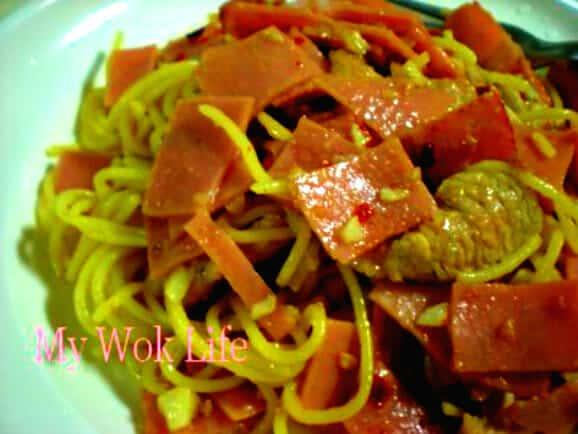 Aglio Olio with ham