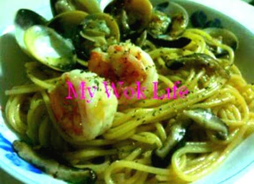 Japanese-Fusion Style Spaghetti with Fresh Shiitake, Clams and Prawns