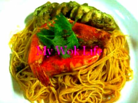 Tom Yum Prawn Sphegetti