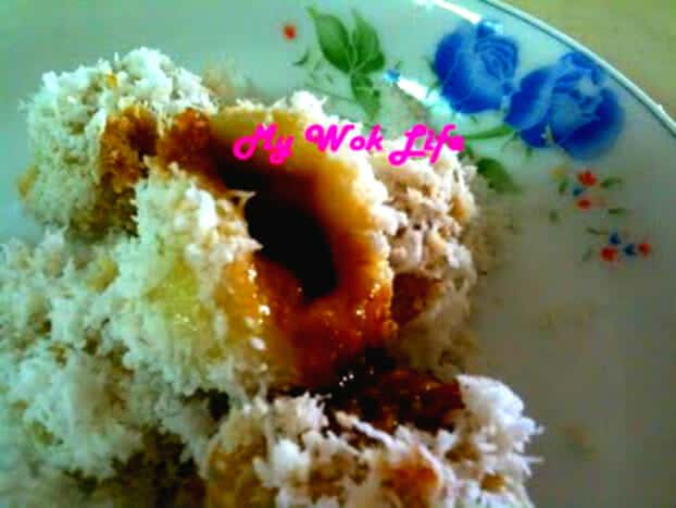 Ondeh-ondeh with Gula Melaka