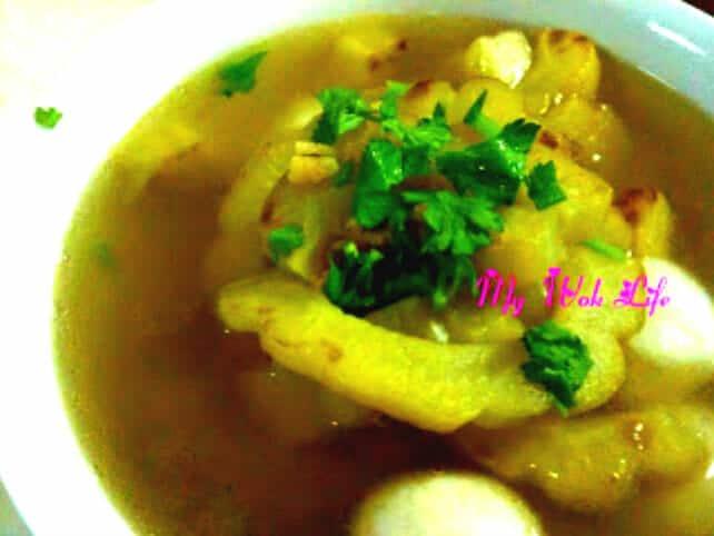 Fried Bitter Gourd & Fish Balls Soup