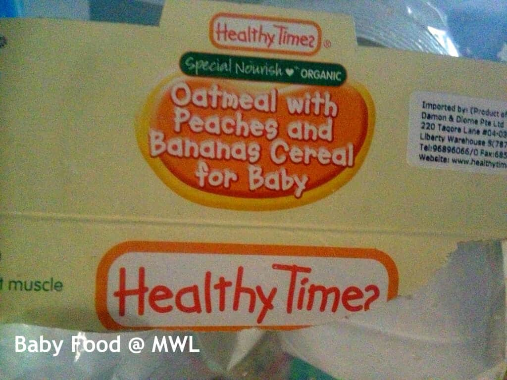 Oatmeal with peaches and banana