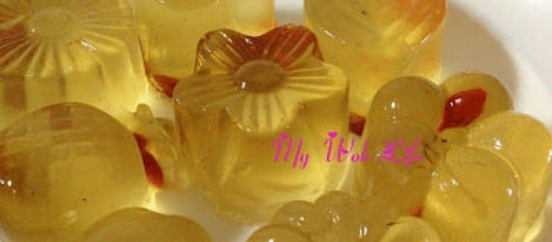 Chrysanthemum & Wolfberry Konnyaku Jelly with Bird Nest